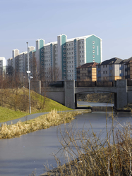 Union Canal looking towards flats at Hailesland Park